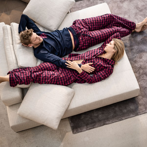 Pyjama lang, geknöpft