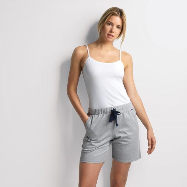 Shorts with insert pockets and drawstring